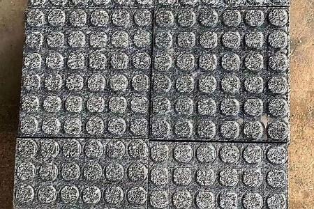 钟山青盲道石导盲砖广西G654芝麻黑地铺石