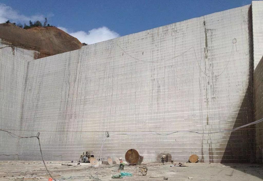 宁德市对饰面用石材矿山统一实施4年的开采年限