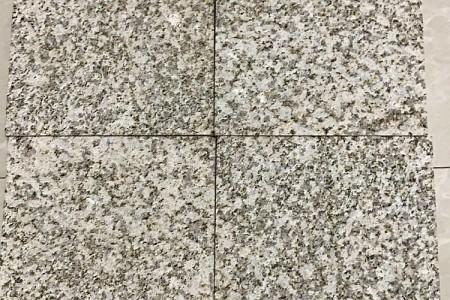 湖北黄锈石喷砂面样板