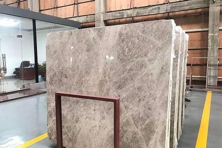 新古堡灰大板