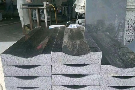 芝麻黑光面沟盖板
